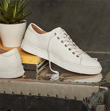 White leather low-top sneaker